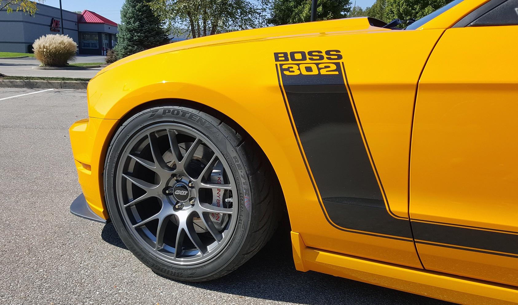 S197 Boss 302 Square Fitment<br />Wheels: 19×10″ ET40 Anthracite EC-7<br />Tires: 285/35-19 Bridgestone RE-71R<br />Mods: Extended Stud Kit, 12.5mm front spacers
